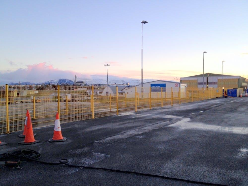散步到冰岛雷克雅未克首都机场