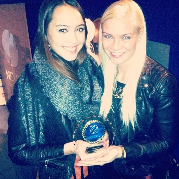 Anna and Anna receiving the prize for website of the year 2013 at the Icelandic Nexpo awards