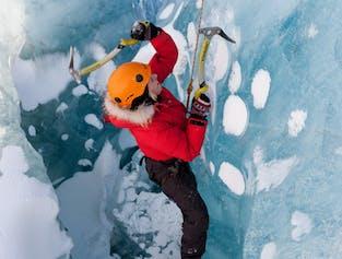 Randonnée et escalade sur glace au Solheimajokull en petit groupe - Niveau modéré
