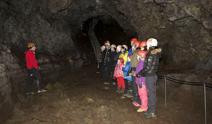 現地発 ヴァッツヘットリルの洞窟探検ツアー