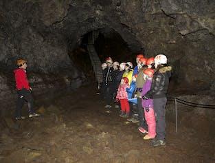 現地発|ヴァッツヘットリルの洞窟探検ツアー