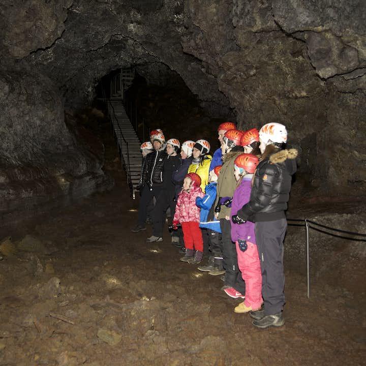Niezapomniana 1-godzinna wycieczka po jaskiniach Vatnshellir z transferem z Hellissandur