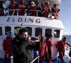 Une combinaison vous aidera à rester au chaud en hiver lors d'une observation des baleines depuis Reykajvík.