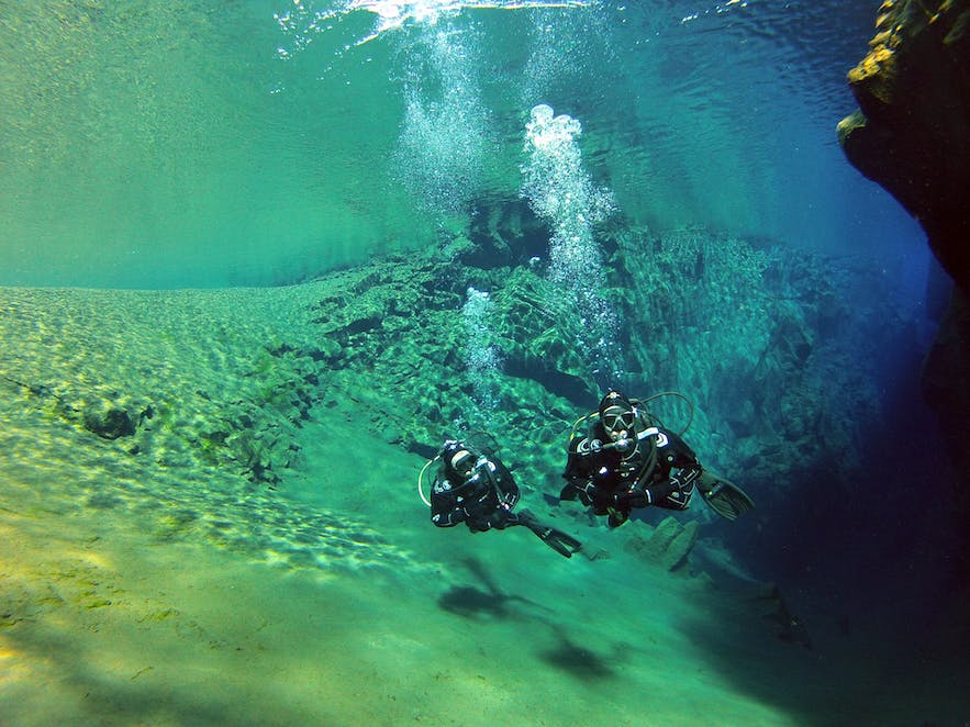 Silfra Diving Tour in Iceland