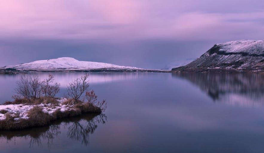 辛格维利尔国家公园的Þingvallavatn湖
