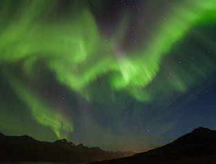 Una muestra particularmente intensa de la aurora boreal.