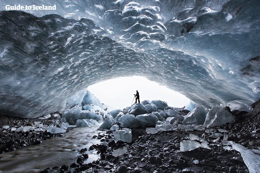 Grotte de glace sous le Vatnajökull en Islande