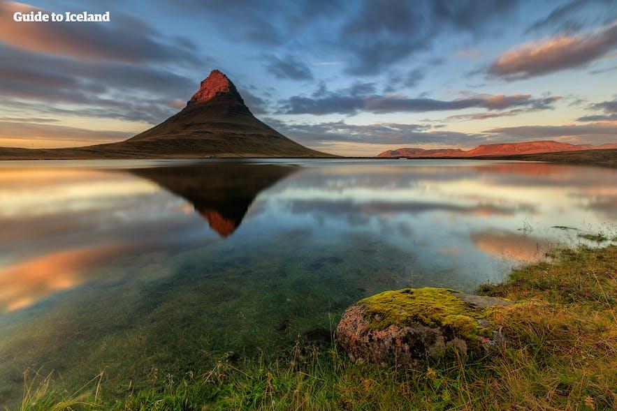 Mt. Kirkjufell auf der Snæfellsnes-Halbinsel in Island