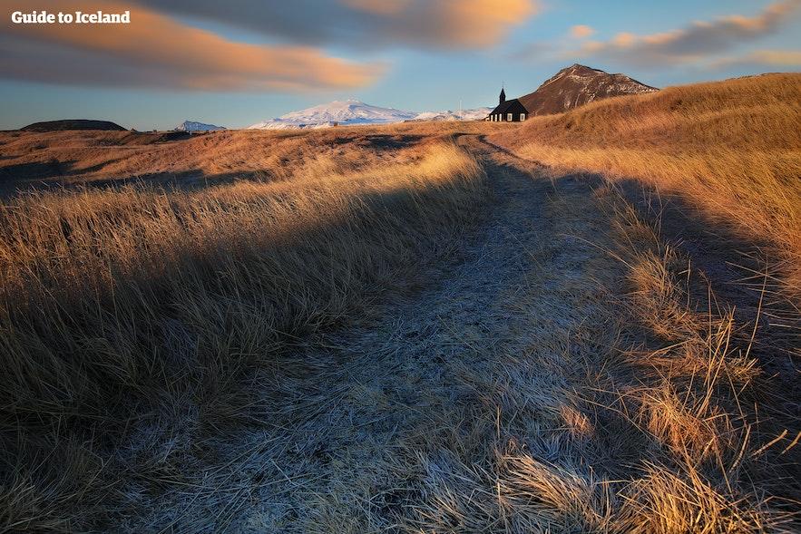 Udsigt over Snæfellsjökull i den tidlige vintersæson