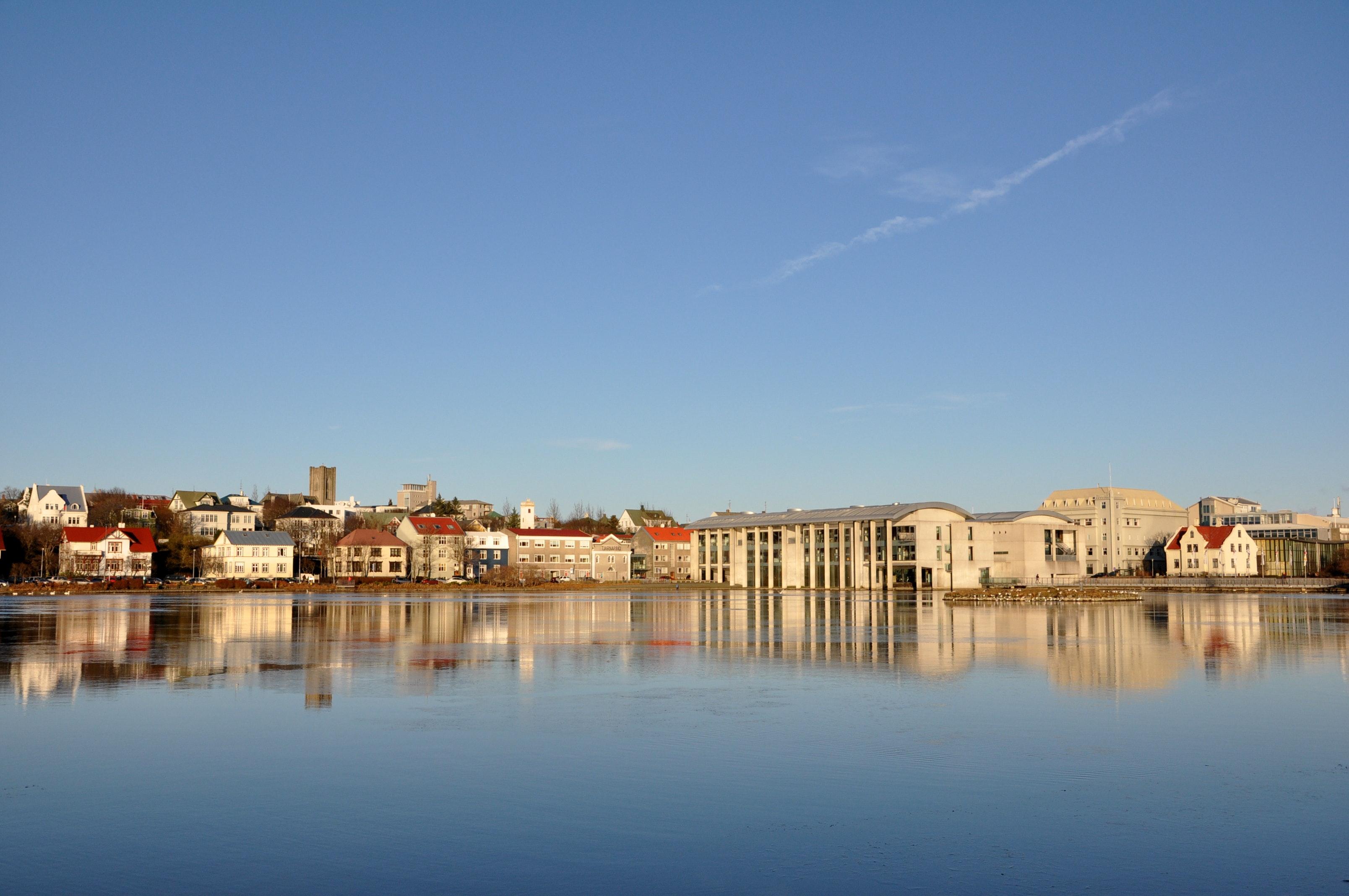 冰岛首都雷克雅未克托宁湖,世界最北的首都