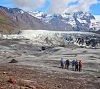 Svínafellsjökull è una lingua glaciale di Vatnajökull, che si estende nella riserva naturale di Skaftafell.