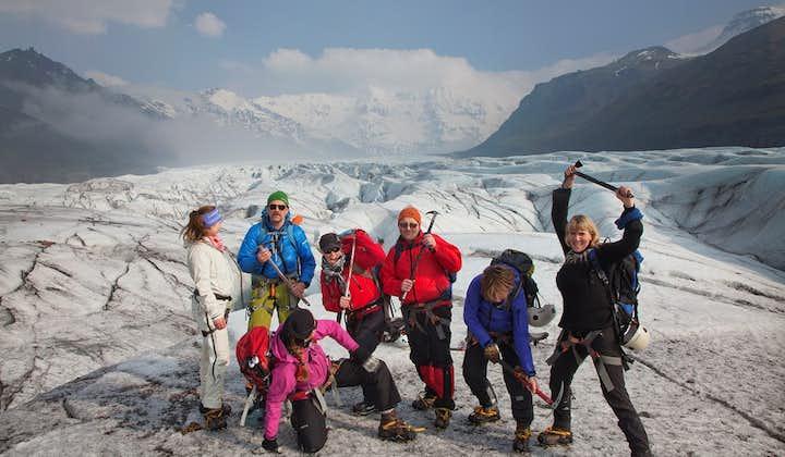 Тур по голубым льдам   Восхождение на ледник в парке Скафтафетль   Уровень сложности: легкий
