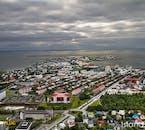 Rien de mieux que survoler la capitale islandaise en hélicoptère