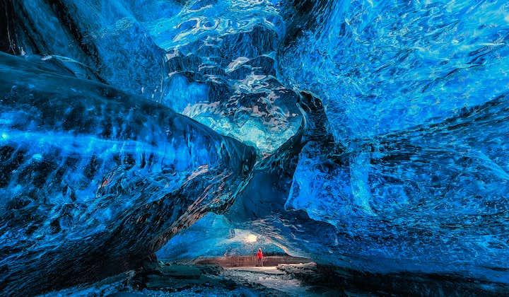 3-дневный зимний автотур | Йокульсарлон и ледниковая пещера в леднике Ватнайёкютль
