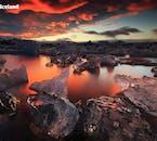 ทะเลสาบธารน้ำแข็งโจกุลซาลอนกับแสงแดดอ่อนๆ ในบ่ายวันหนึ่งของฤดูหนาว