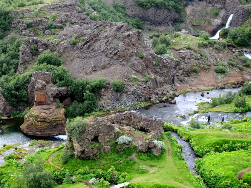 Tour In Gjain Iceland