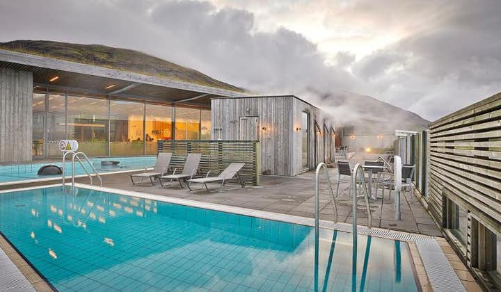 Fontana Geothermal Baths boasts saunas, a bistro and geothermal pools.