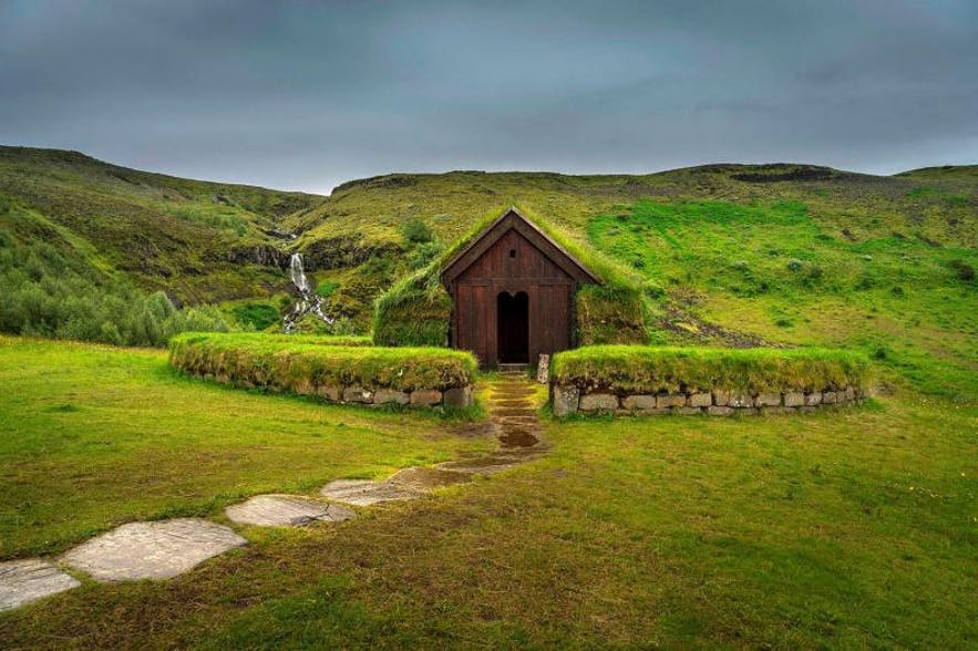 A reconstructed Viking era house in the South of Iceland