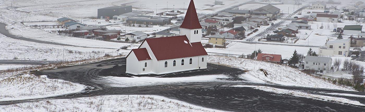 冬のヴィークの町の様子