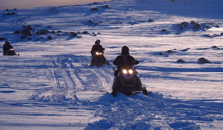 Excursión en motonieve por el glaciar Myrdalsjokull   Sur de Islandia