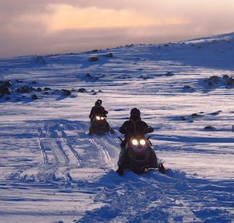 Поездка на снегоходе по леднику Мирдальсйёкюдль | Южная Исландия
