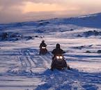 Skutery śnieżne na lodowcu Mýrdalsjökull - wycieczka z południowej Islandii