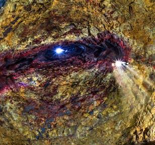 Zjazd do wulkanu Thrihnukagigur   Zobacz komorę magmową