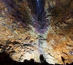 冰岛必去特色体验:火山内部遨游|世界尽头的地心探险-冰岛火山旅游团