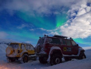Earth and Sky - Super Jeep, Caving and Northern Lights Hunting