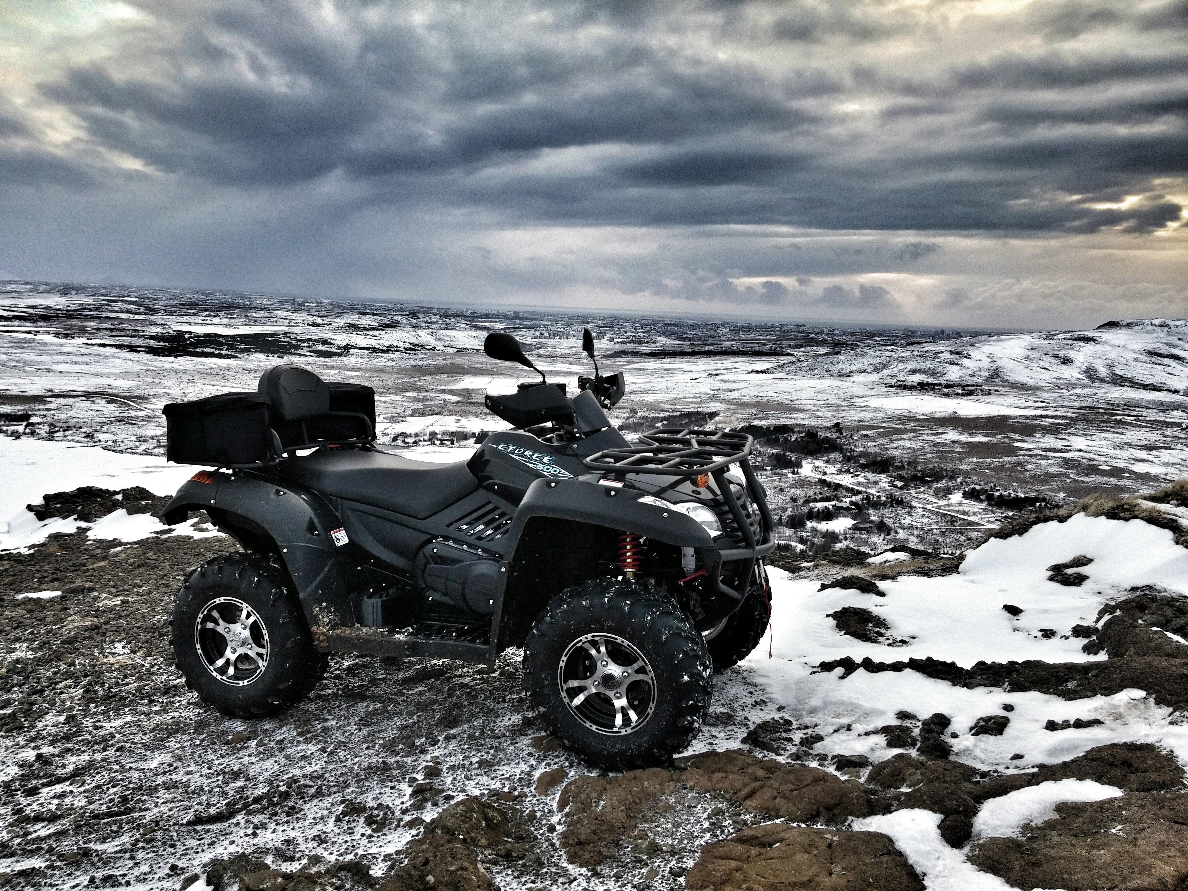 冰岛山地摩托车