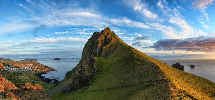 アイスランドのウェストマン諸島にあるBlátindur山