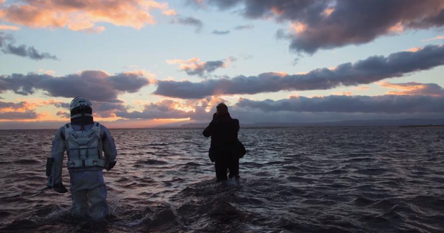 Hier worden filmopnames gemaakt voor de film Interstellar in IJsland
