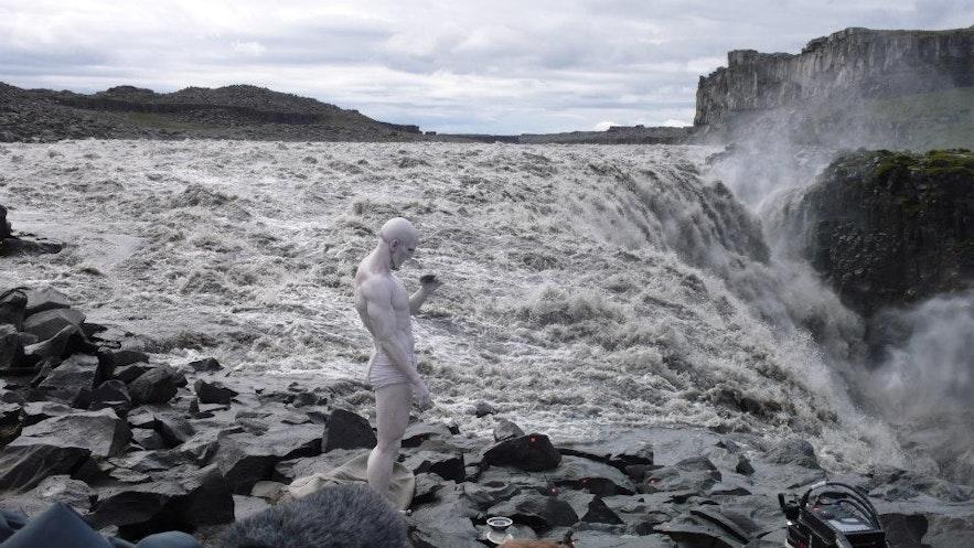 De Prometheus-engineer bij Dettifoss in IJsland