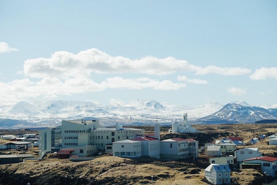Stykkishólmur, idealne miejsce do kręcenia filmów i niezapomniane wakacje na Islandii