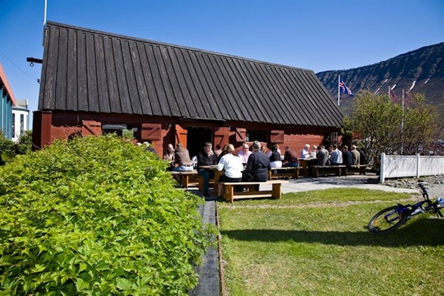 Tjöruhúsið in Ásafjörður