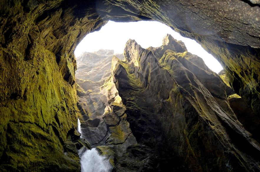Canyon Stakkholtsgjá dans le sud de l'île