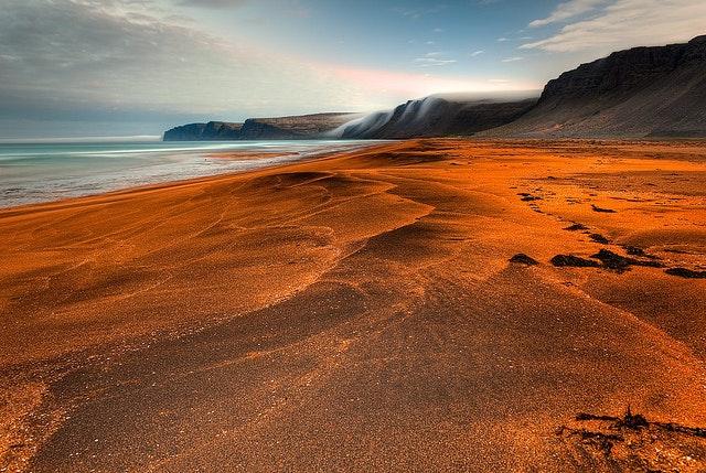 冰岛西部峡湾红沙滩Rauðisandur
