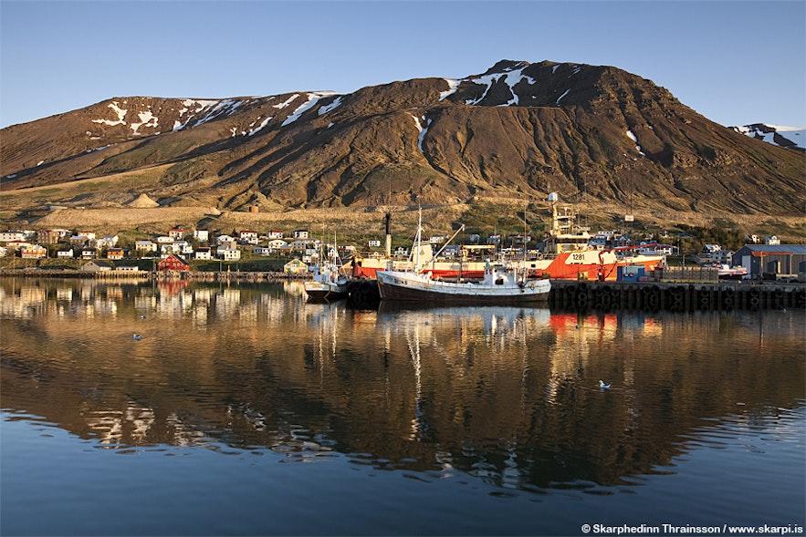 Siglufjörður w Tröllaskagi, północna Islandia
