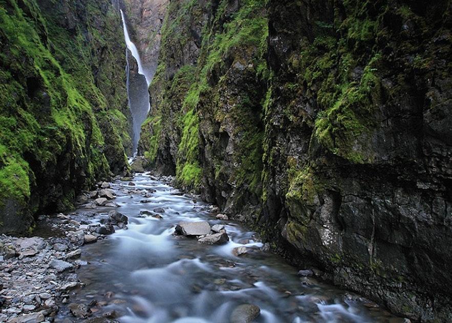 冰岛第二高瀑布格里穆尔瀑布Glymur
