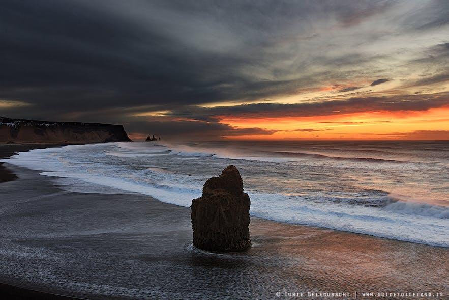 冰岛Reynisfjara黑沙滩