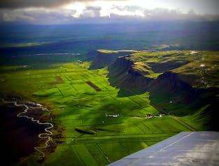Survol du volcan Eyjafjallajökull et de la côte sud