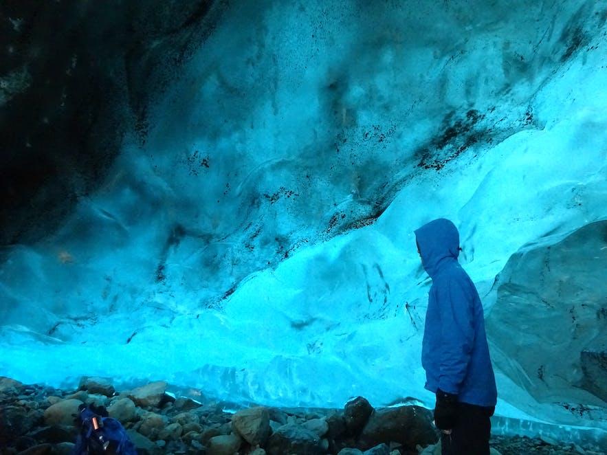 はじめての氷の洞窟への旅