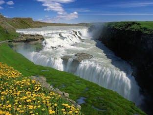 Golden Circle Tagestour im Minibus, mit Wasserfall Faxi