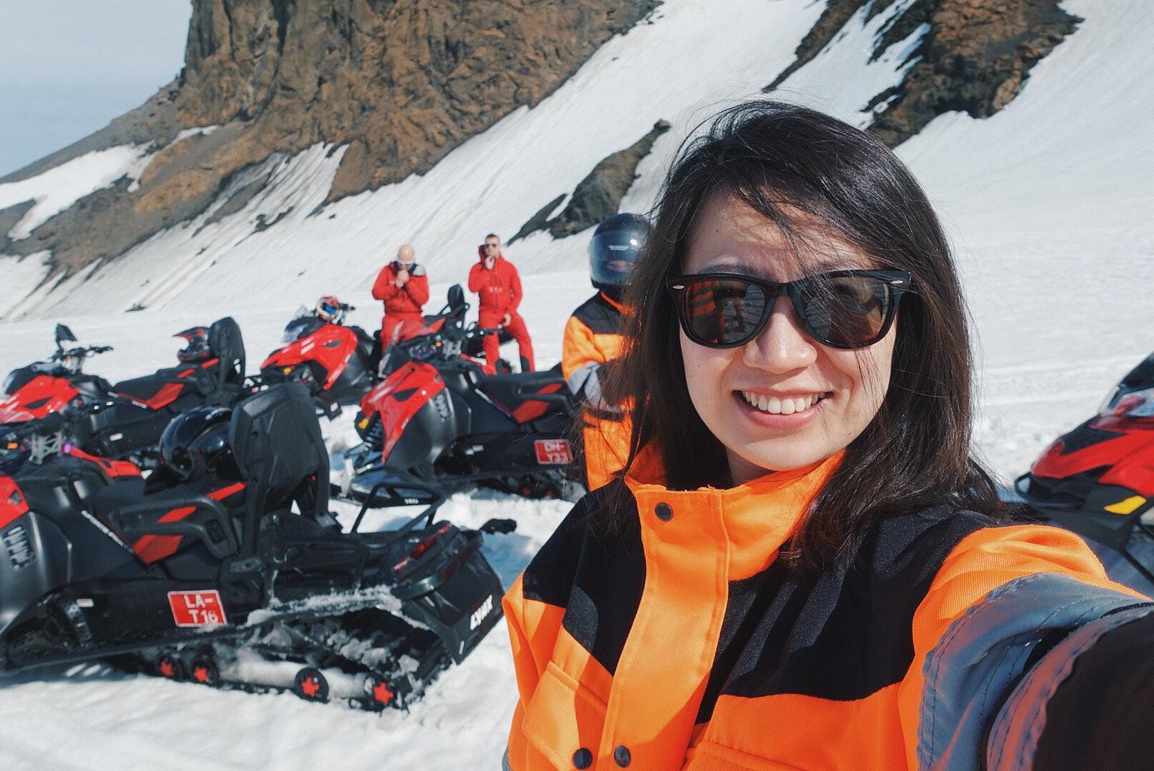冰岛冰川雪地摩托