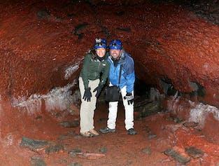 レイキャビク発|レイザレンディ洞窟探検 半日ツアー