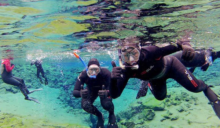 Kompletna 9-godzinna wycieczka po Złotym Kręgu wraz ze snorkelingiem w Silfrze z podwodnymi zdjęciami