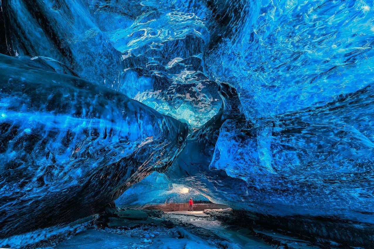 冬の冒険5日間|氷の洞窟探検付き