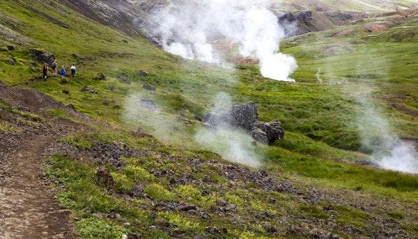 冰岛天然野温泉-蒸汽山谷Reykjadalur