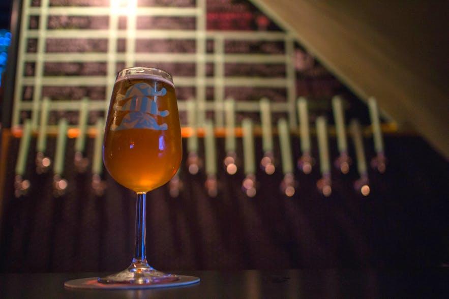 アイスランドのナイトライフに欠かせないビール