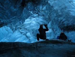 2 Day Trip to Jökulsárlon Glacier Lagoon with Ice Cave Tour